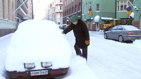 Lyhytpysäköinti kauppakaduille - Valentina Ahlavuo